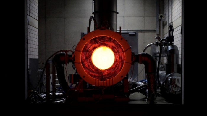 solar-power-could-become-a-catalyst-for-a-major-synthetic-fuel-upgrade_resize_md.jpg